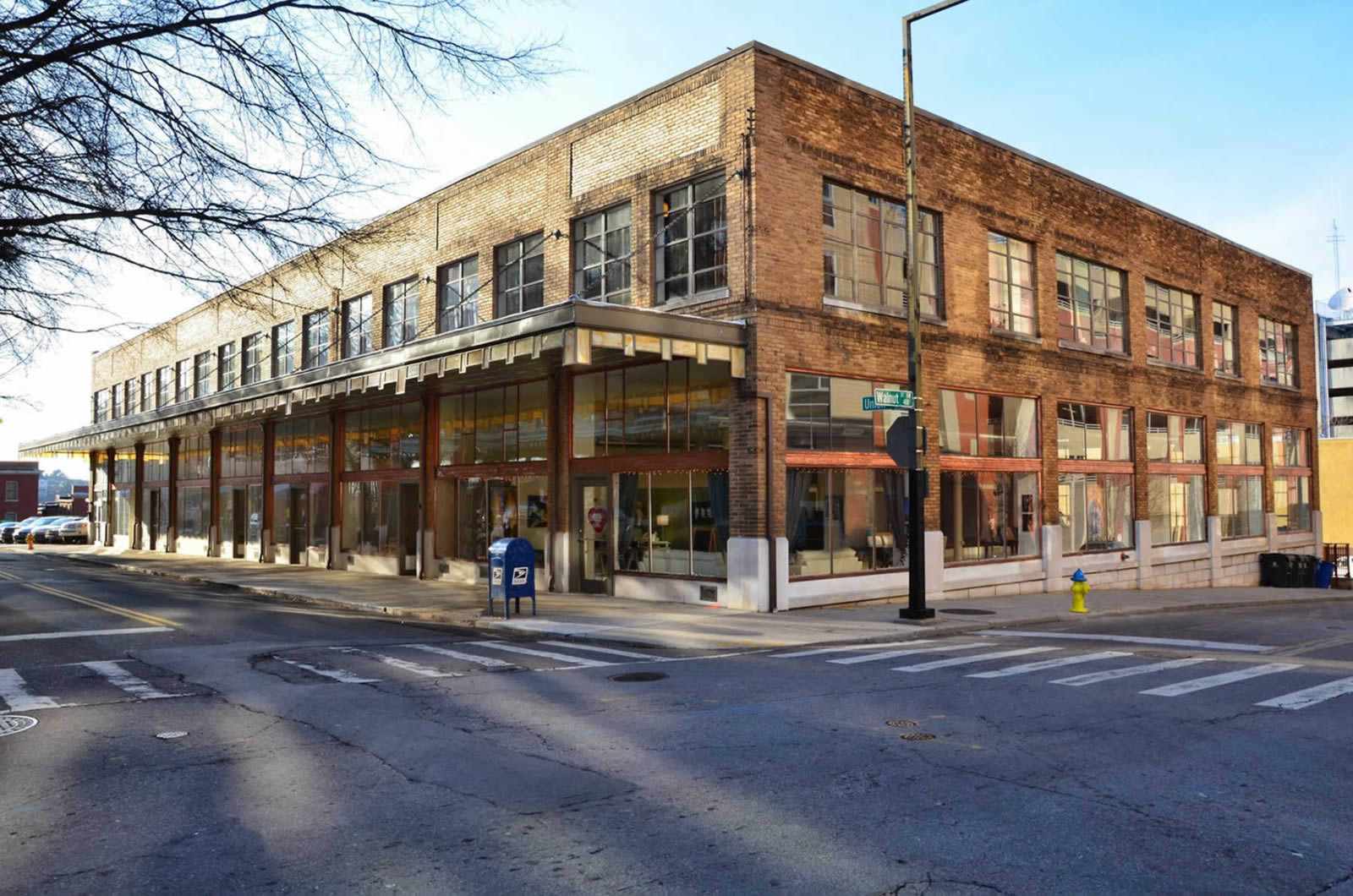 The daylight building historic downtown apartments in for Small towns in tennessee near knoxville